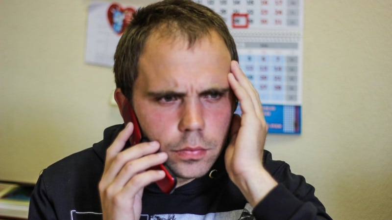 как бороться с коллекторами по телефону