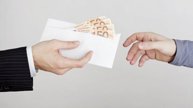 когда лучше отдавать долги