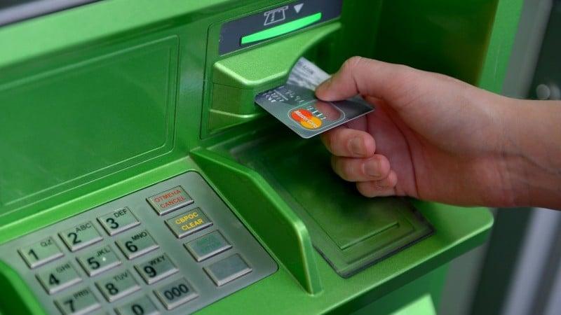 лимит снятия наличных Сбербанк в месяц