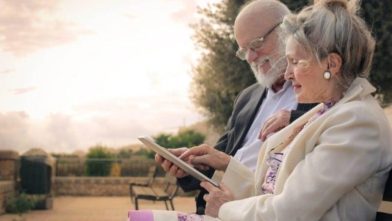 кредиты пенсионерам до 75 лет без поручителей