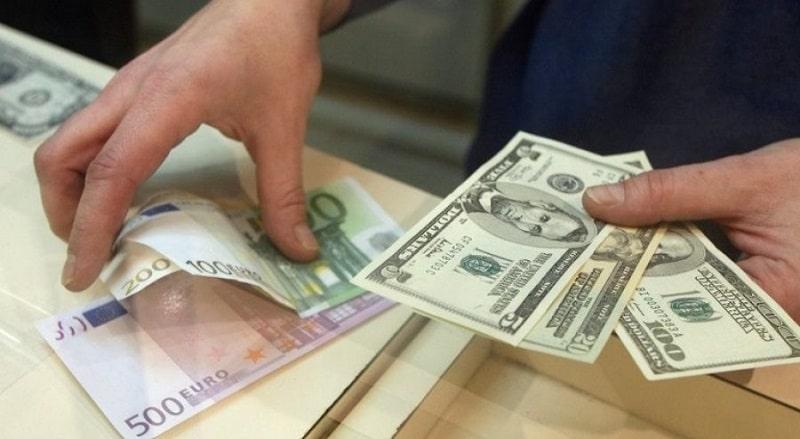 сколько валюты можно ввезти в Россию