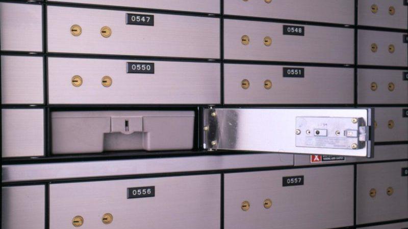 передача денег через банковскую ячейку при продаже квартиры