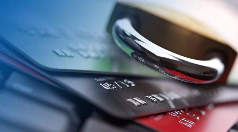 как платить кредит если приставы арестовали кредитный счет