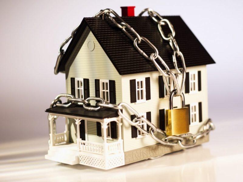что могут описать приставы в квартире за неуплату кредита